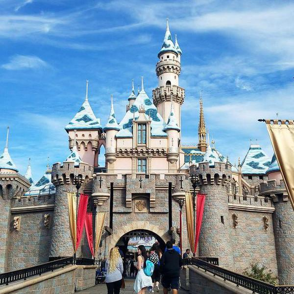 Hilarious One-Star Yelp Reviews of Family Theme Parks
