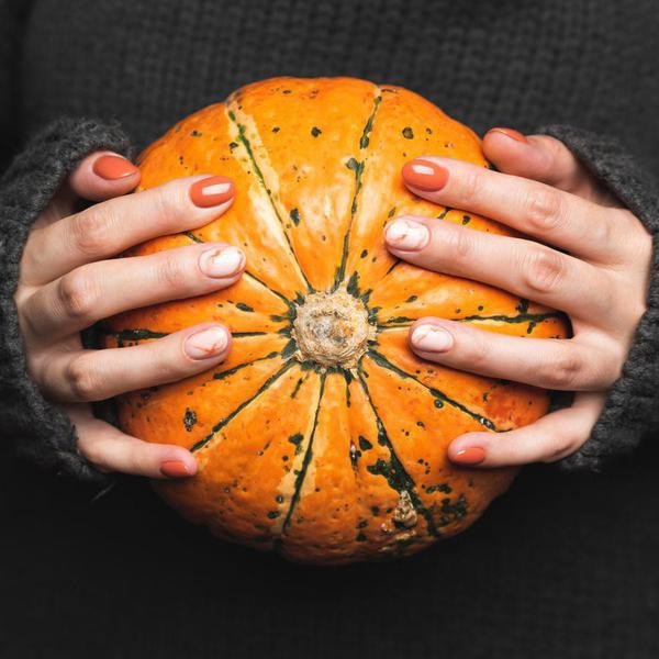 23 Stunning Fall Nail Colors to Try This Season